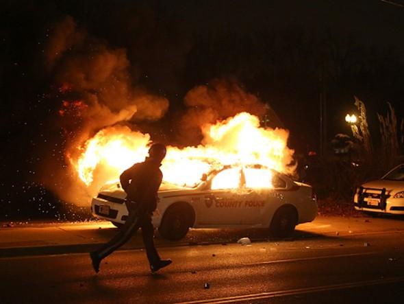 Ferguson riots after grand jury decision